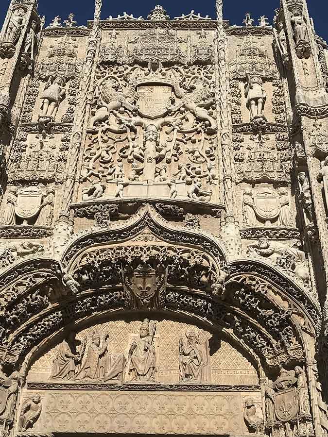 Detalle de la fachada del Colegio de San Gregorio (16)